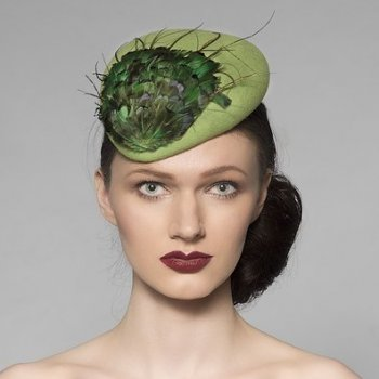 Green felt formal beret style hat