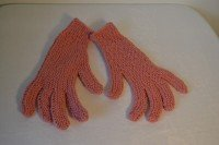 Knitted gloves (dusky pink)
